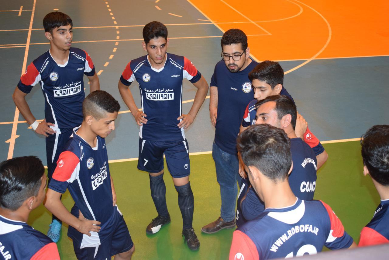 علی محمدی روزبهانی: بازی را باختیم ولی فوتسال را نه!