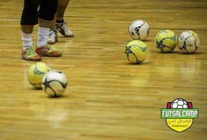 کنترل توپ با کف پا در فوتسال